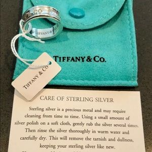 Tiffany and co ring band size 5.75
